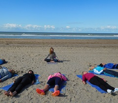 Dune & Yoga bike tour: exercise with a bike trip along all the wonderful highlights of Bloemendaal and relaxation with yoga and a picnic on the beach. The ideal combination.